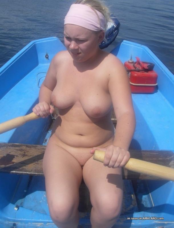 amateur bbw naked by the lake